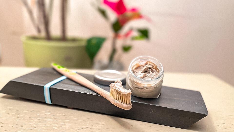 Pasta de dinti cu sare de mare