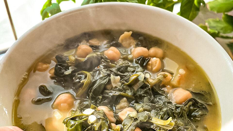 Supa spaniola de naut cu spanac